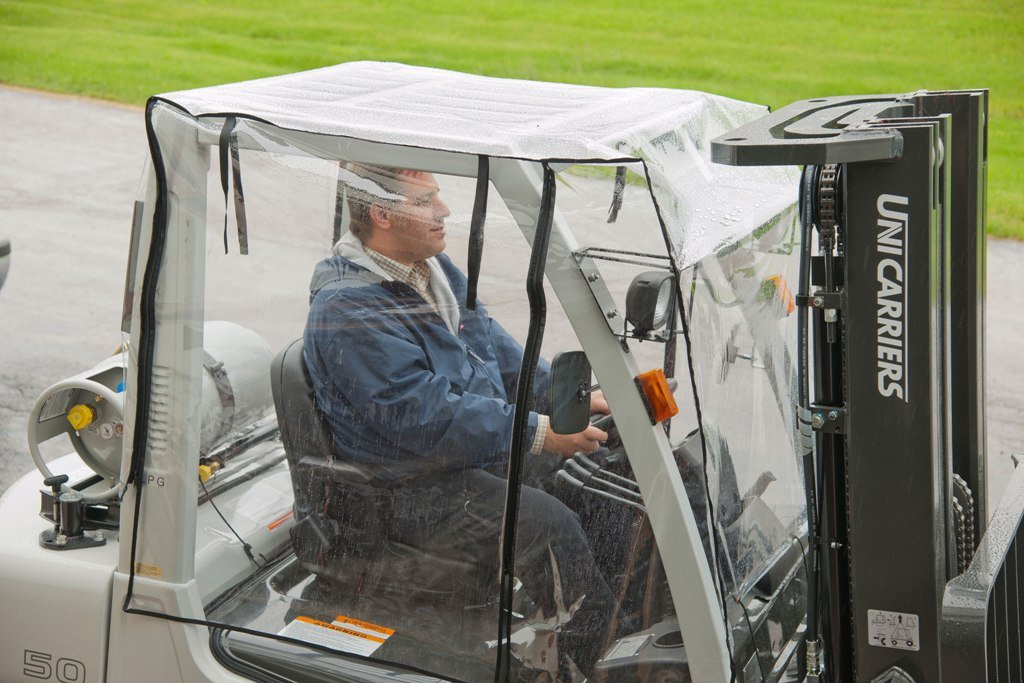 Make an Apt Selection of Waterproof Forklift Rain Covers for best results